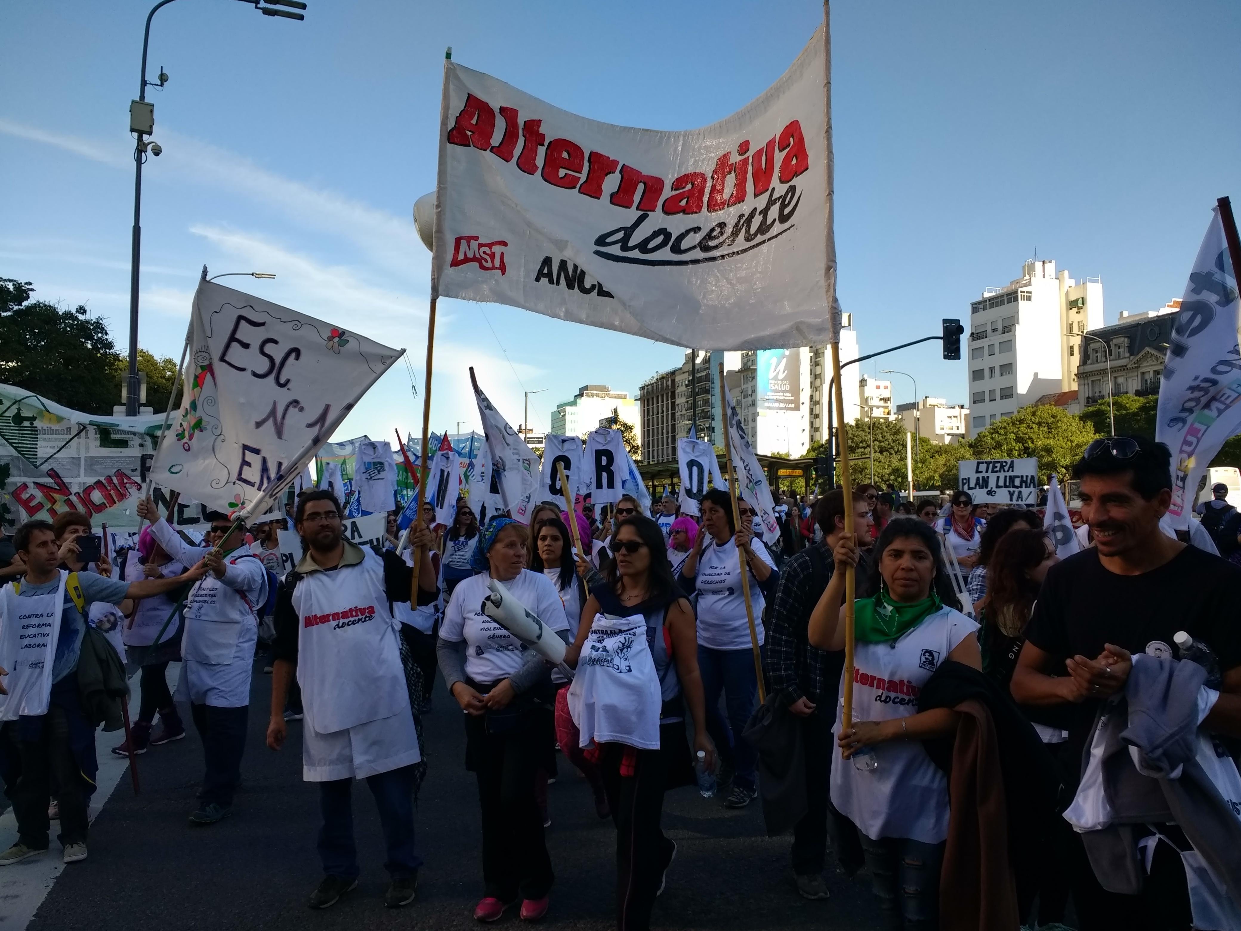 Marcha Federal Educativa reclamando a Macri salario y presupuesto